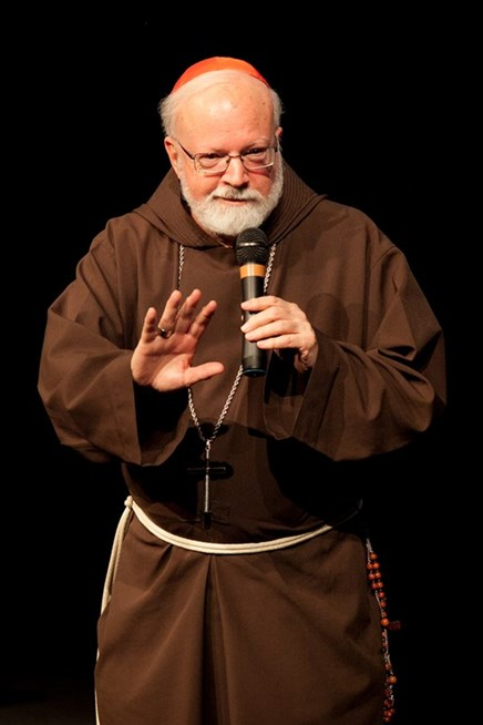 Cardinal O'Malley responds to questions at the 2014 Fall Lecture